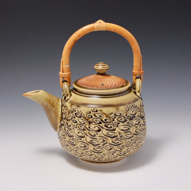 Hsin Chuen Lin's tea pot textured with Rm-28